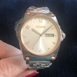 Nixon Jean style watch silver/Rose stainless steel